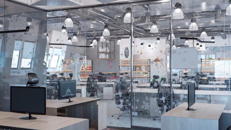 стеклянная перегородка в офисе, вид на open space
